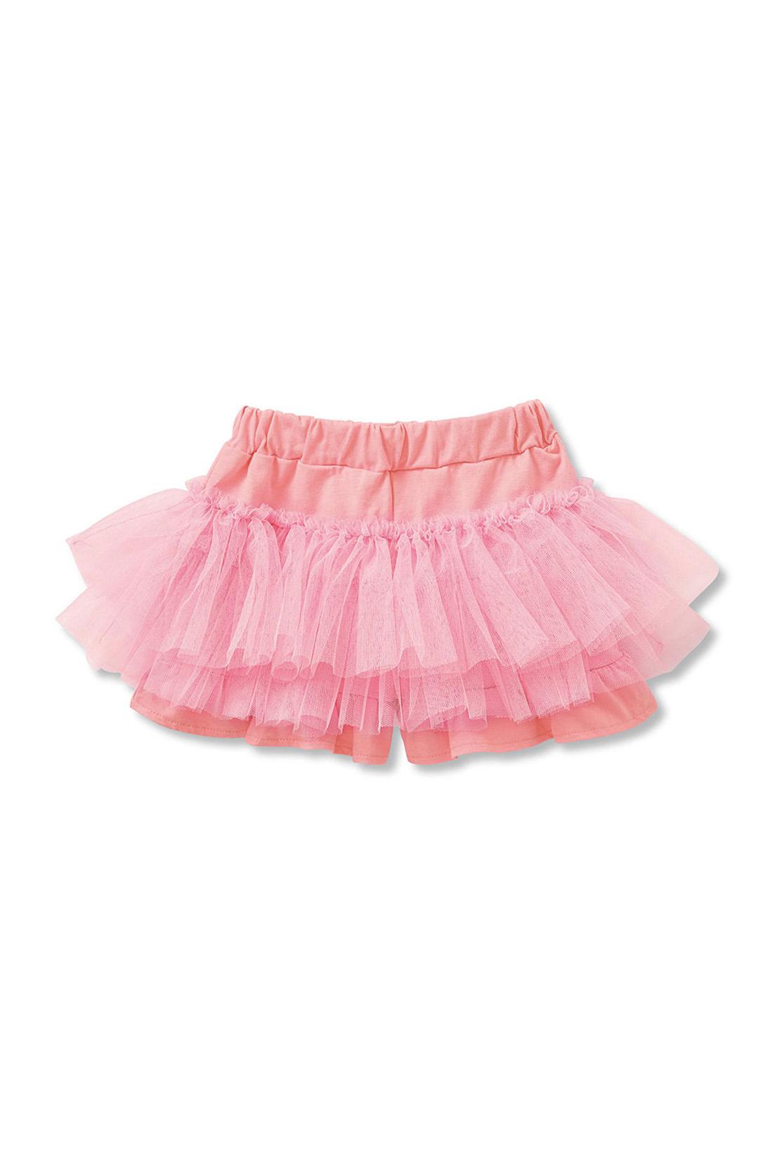 スカートに見えて実はパンツ。ベースは綿100%のカットソー素材。