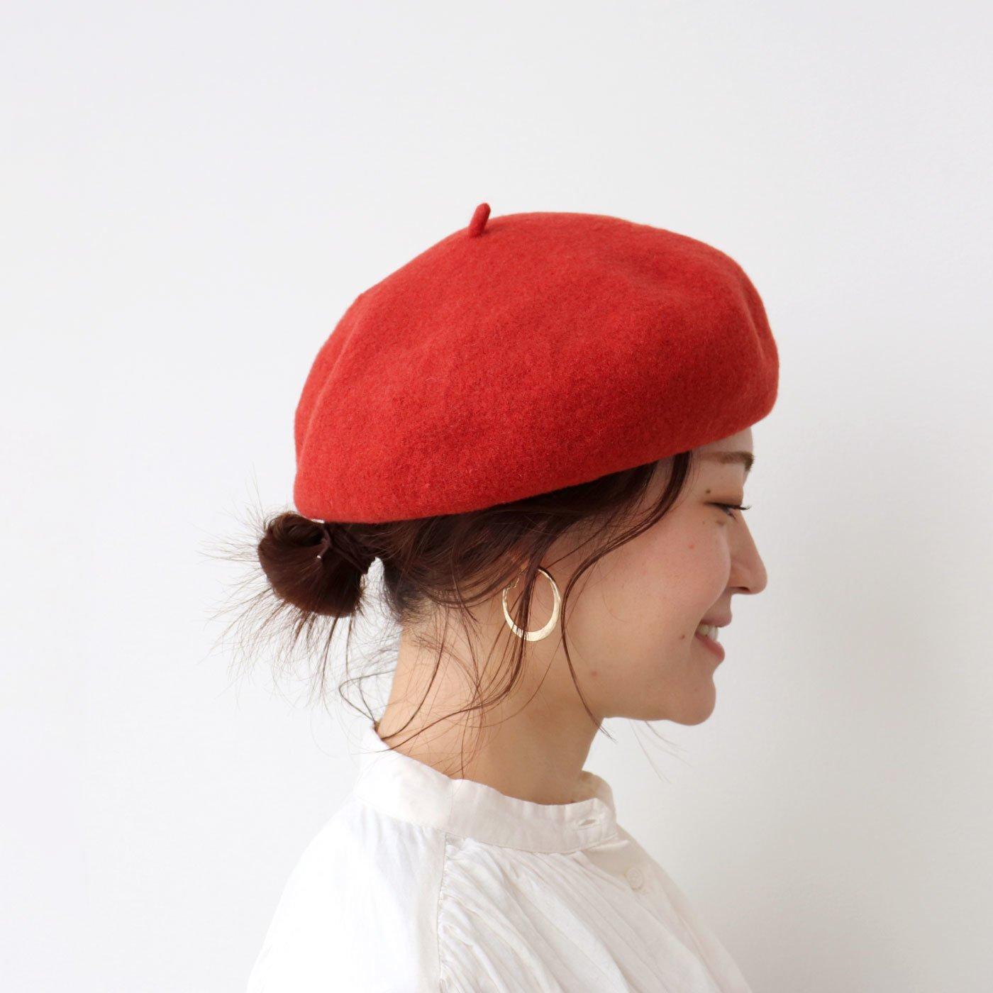 秋冬コーデのポイントに ベーシックなウールベレー帽