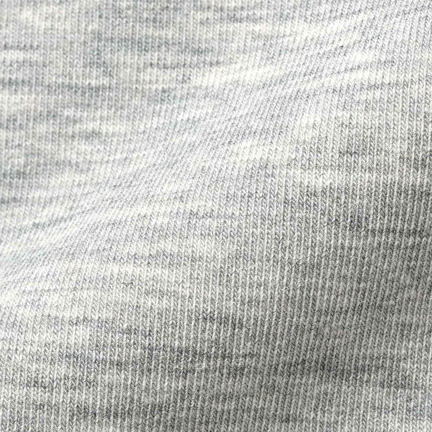 カットソー部分は速乾素材。綿混なので快適な着心地。