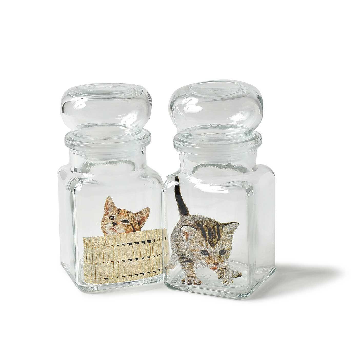 子猫が転写されたミニキャスター2個セット。
