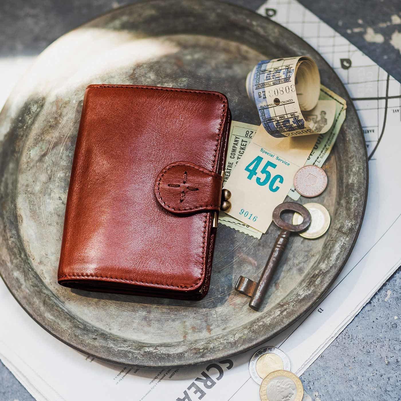 アンティーク仕上げレザーで誂(あつら)えた 本革がま口付き折り財布〈アンティークブラウン〉[本革 財布:日本製]
