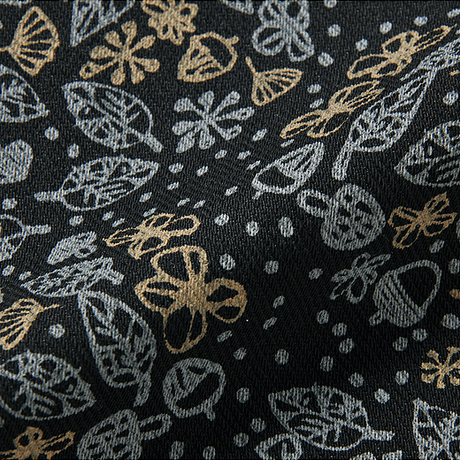 上品さのある綾織りの厚手カットソー。