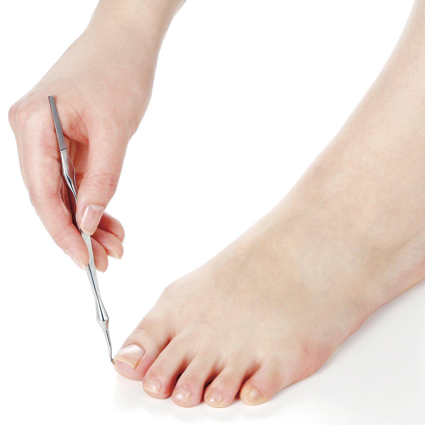 足のお手入れこれ1本! つめ垢ごっそり、つま先うっとり やすり付きつめ垢取り