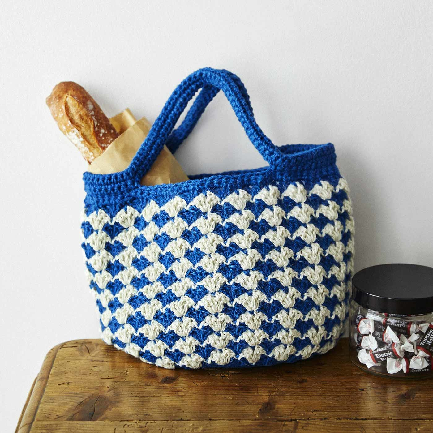 華やかカラーをアクセントに かぎ針編みジュート糸 カジュアルバッグの会