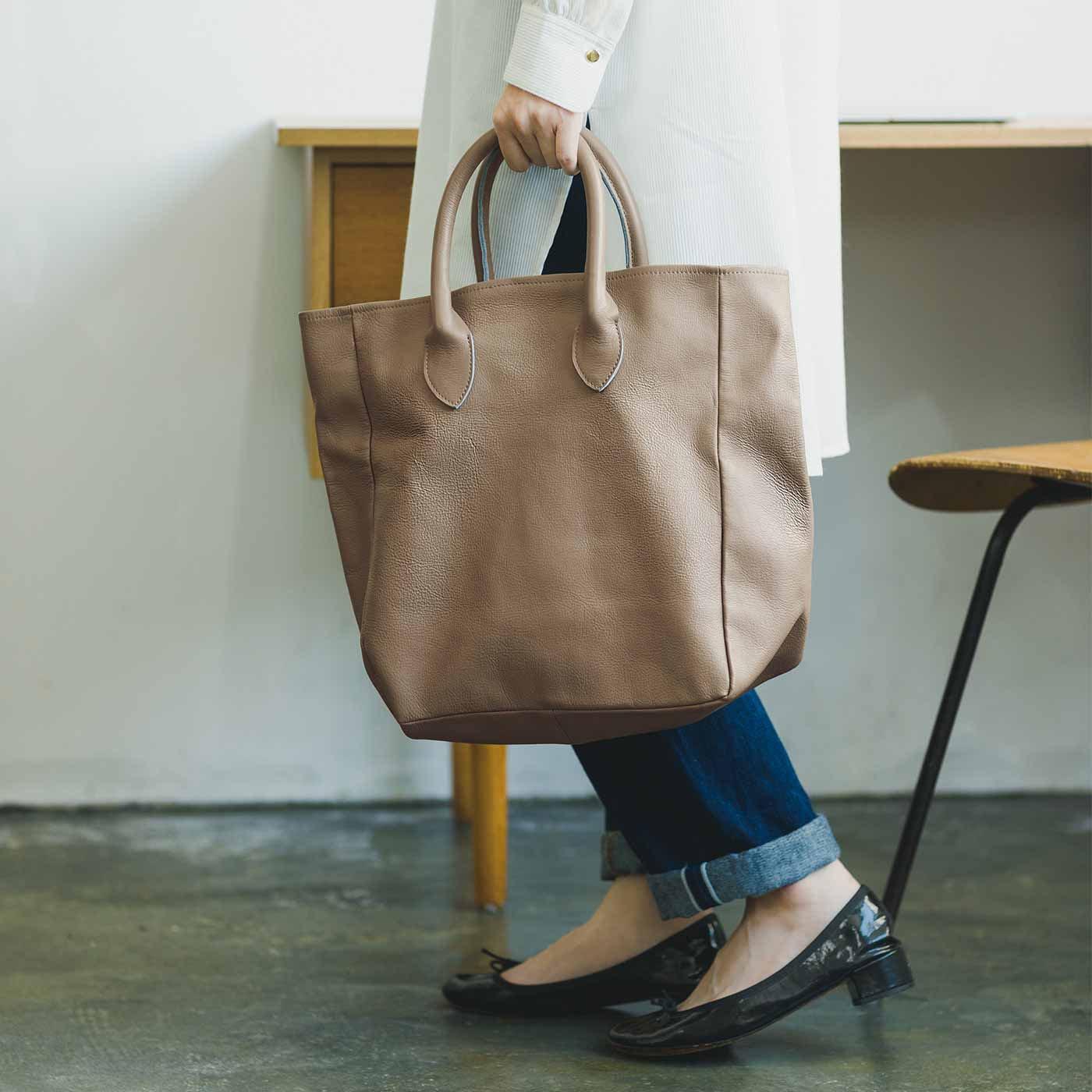 プランナーMOEと作った 職人本革のロイヤルティバッグ〈グレーカーキ〉[本革 鞄:日本製]