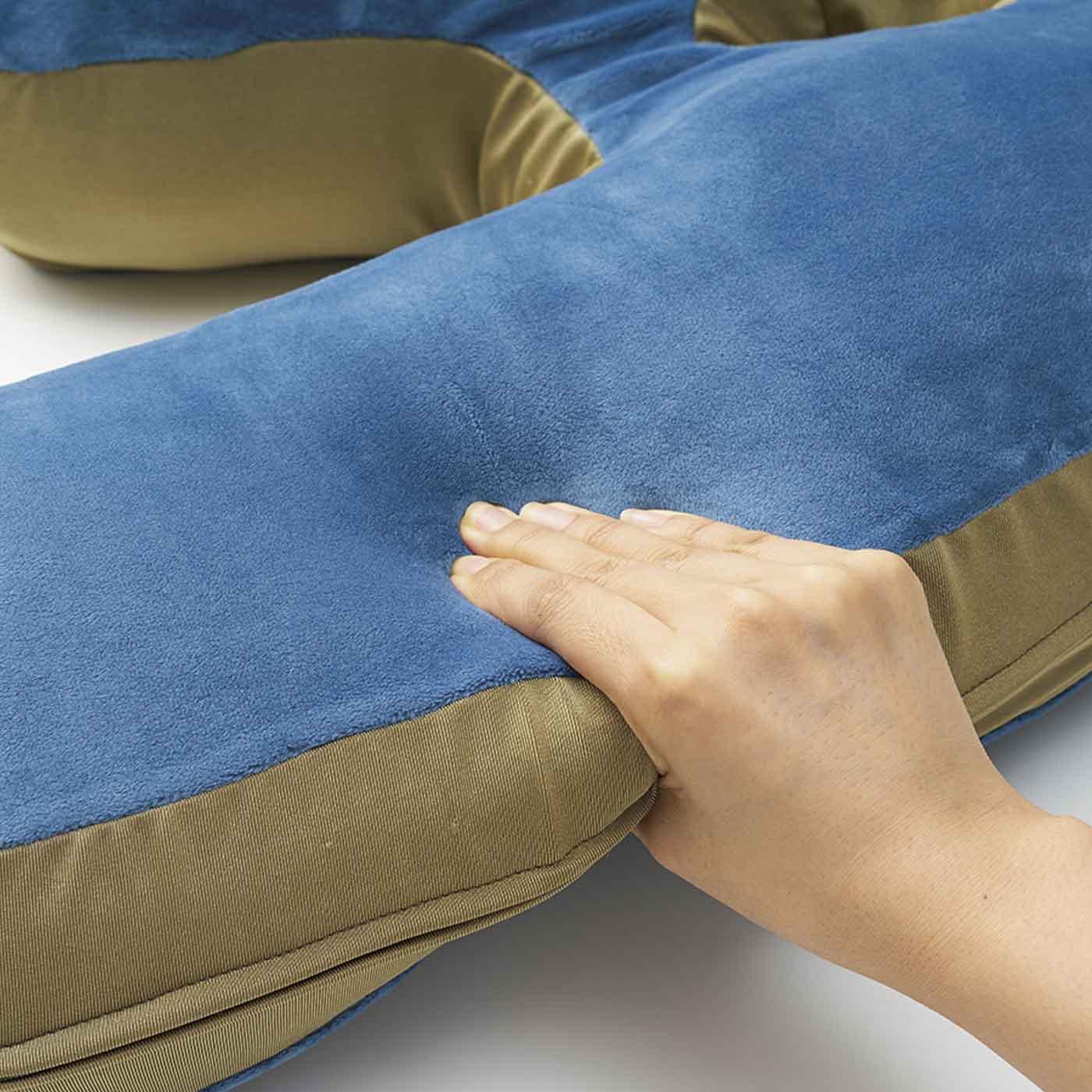 しっかり弾力のある素材で、寝ているときの姿勢を心地よくキープ。