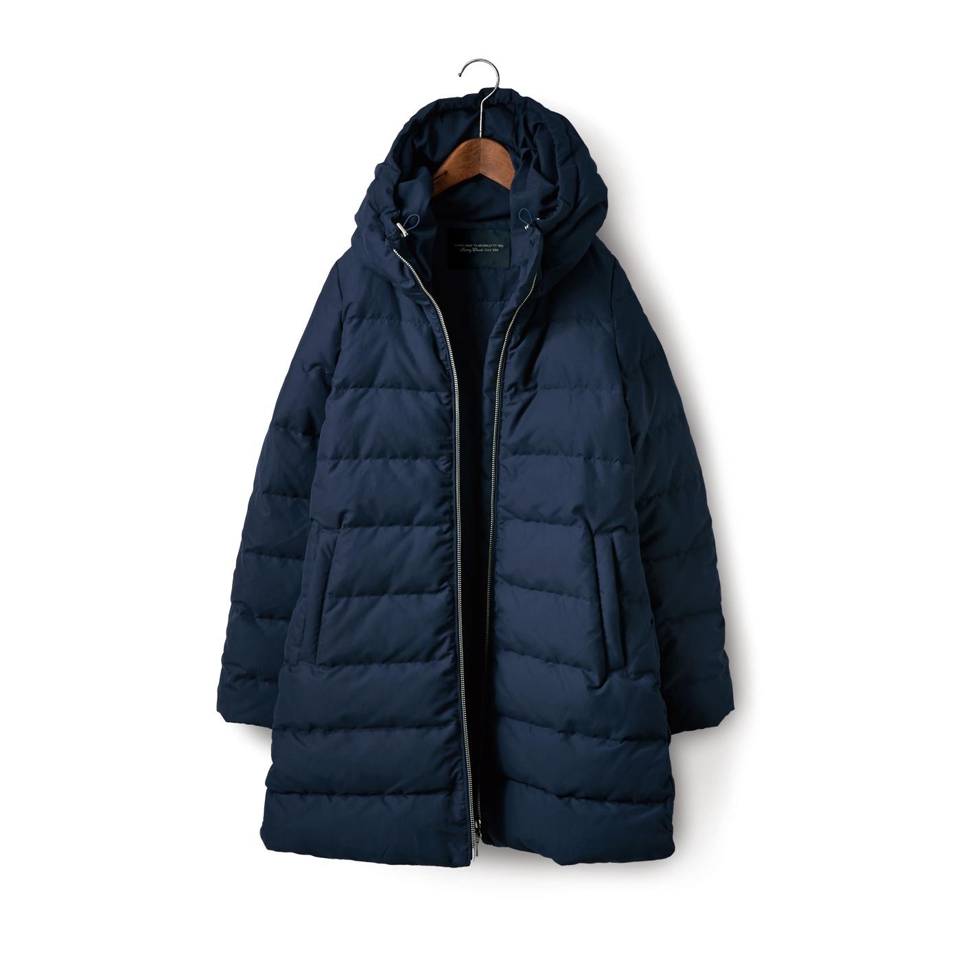フェリシモ SUNNY CLOUDS 紺色の極軽ダウンコート〈レディース〉