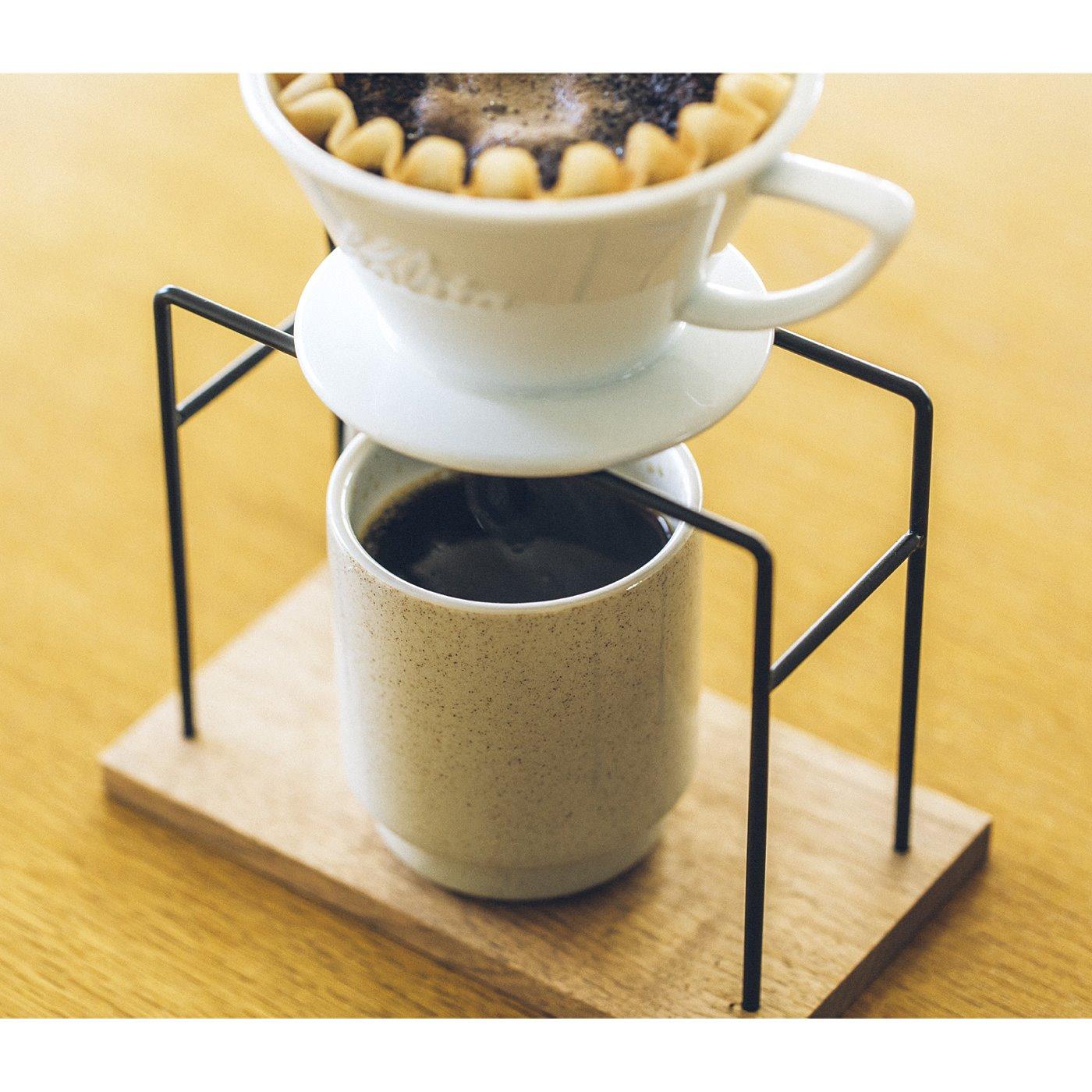 一杯ずつカップにドリップするする際に、どのくらい抽出したかがきちんと見えるから、カップからあふれることなく適量をサーブできます。