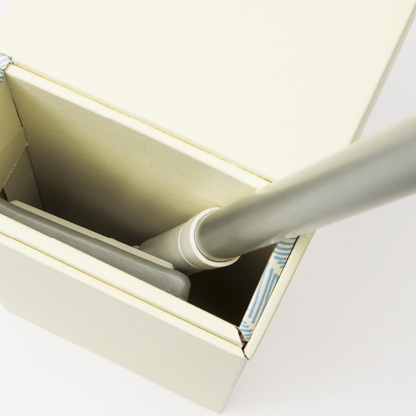 モップの汚れた部分をすっぽり目隠しして収納できます。