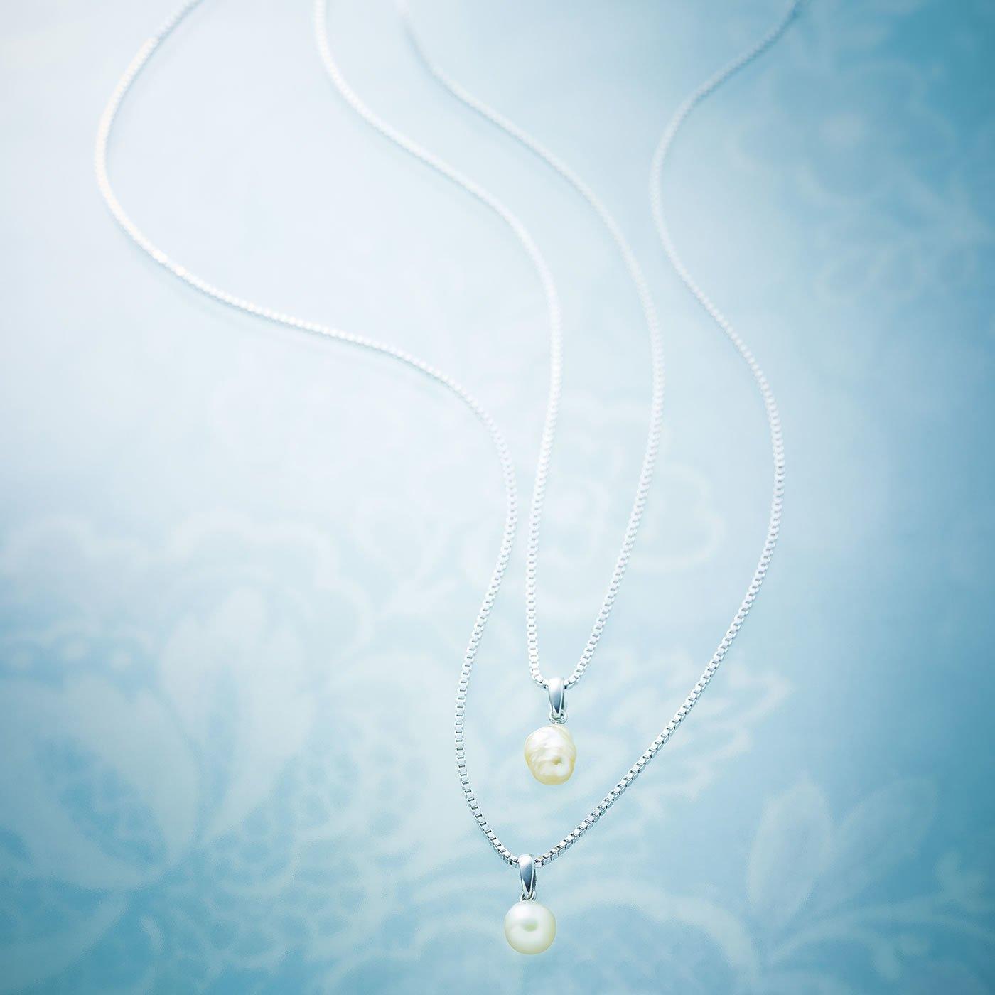 LX 大人の新定番 パールの魅力と希少感で大人チャレンジ! 白蝶貝が育てたKESHI(芥子)トップ&シルバーネックレス