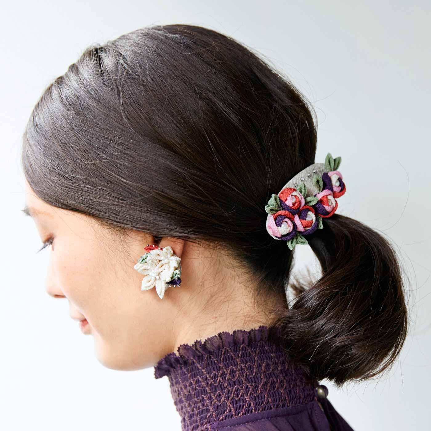フェリシモ つまみ細工で愛らしく咲く 野の花アクセサリーの会