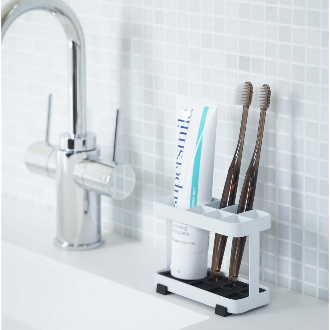 歯ブラシはまとめて収納