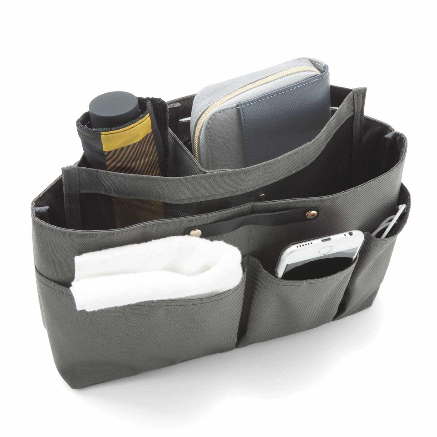 持ち物によって小部屋が自在に動く 段々バッグインバッグ