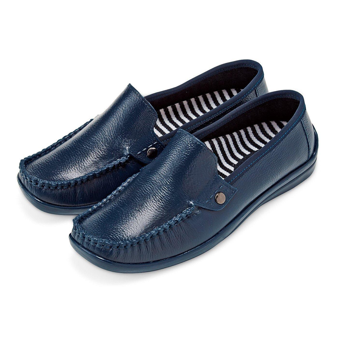 雨の日も気持ち晴れやか 革靴みたいな防水スリッポン〈ネイビー〉