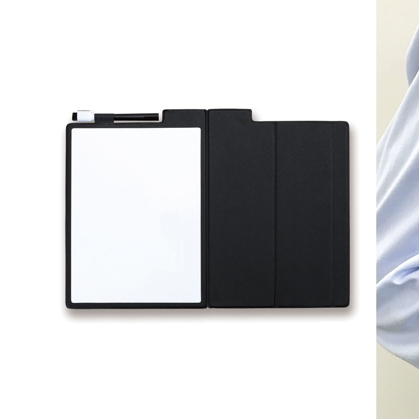 カバーを閉じて持ち運べる モバイルホワイトボード