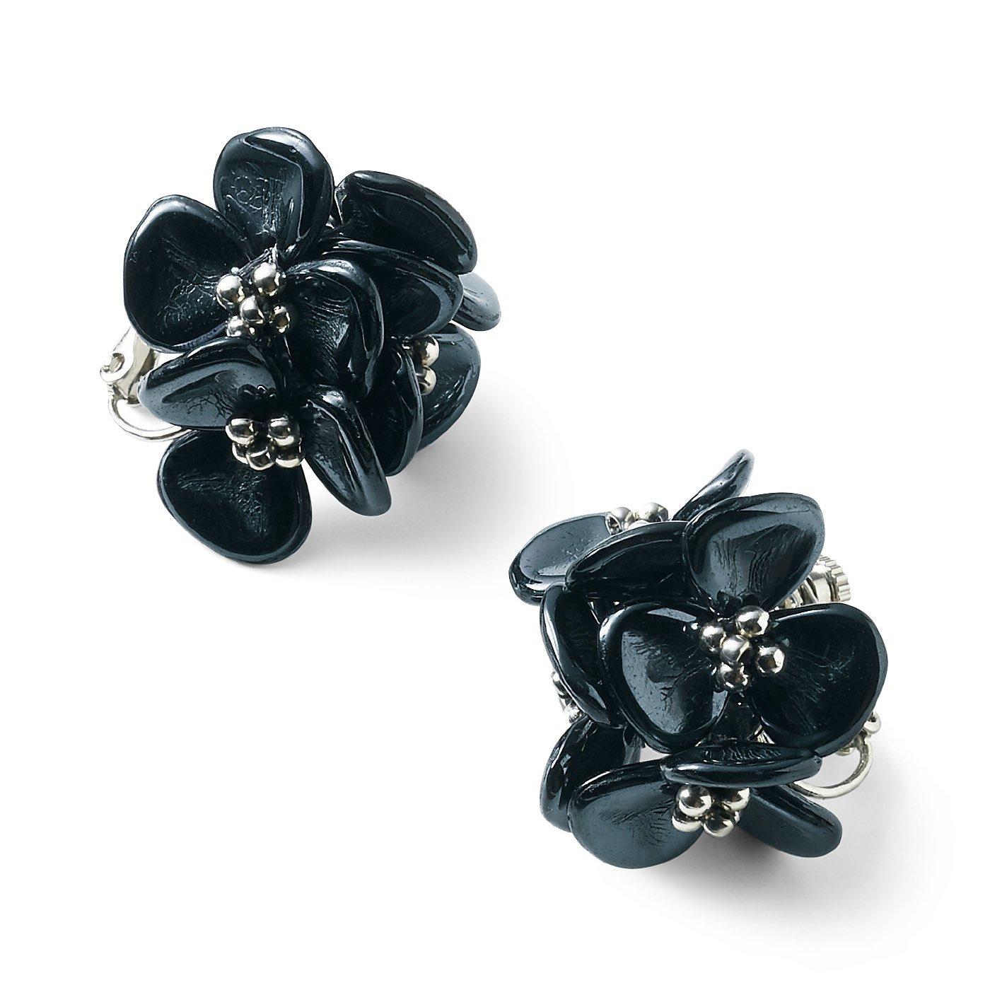 and myera 黒い花の耳飾り