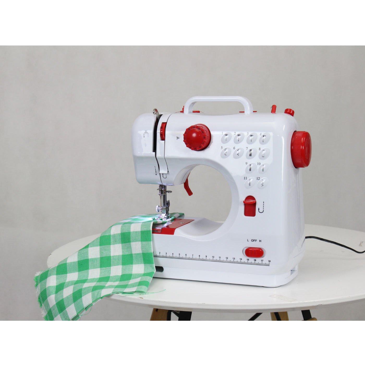 12種類の縫い目で縫える かわいいコンパクト電動ミシン