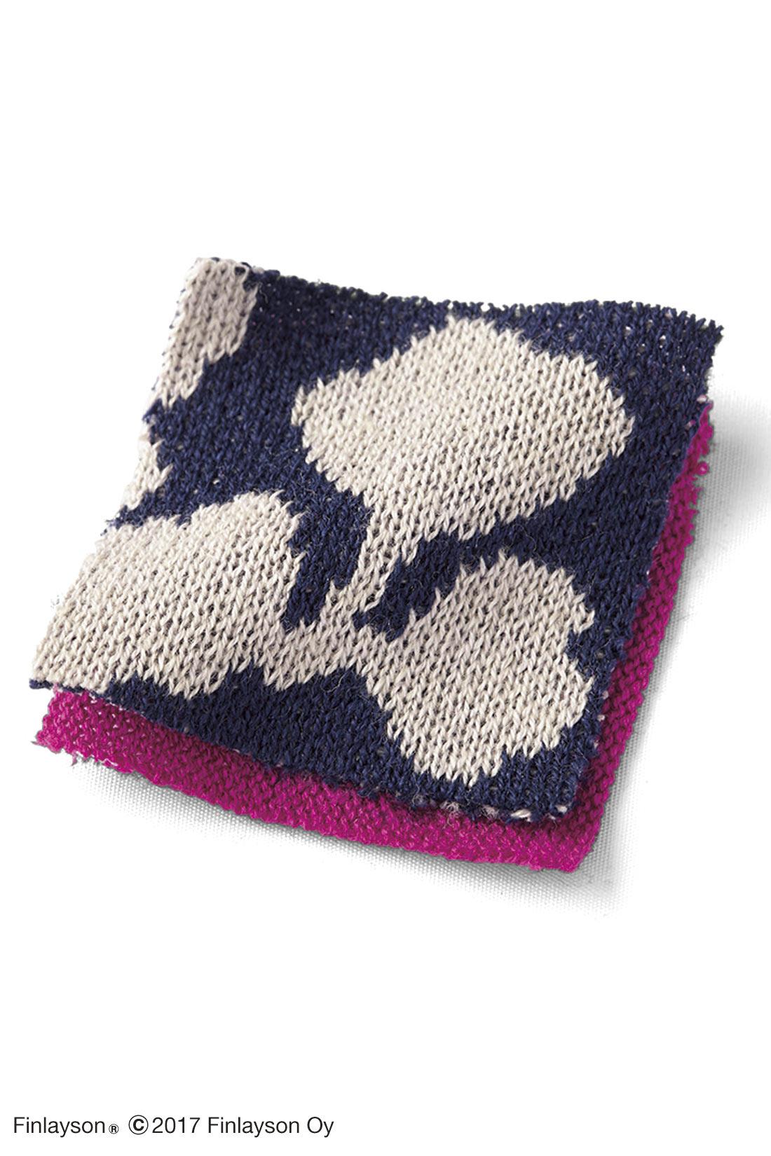 やわらかな綿混素材で、柄の美しさが引き立つジャカード編み。