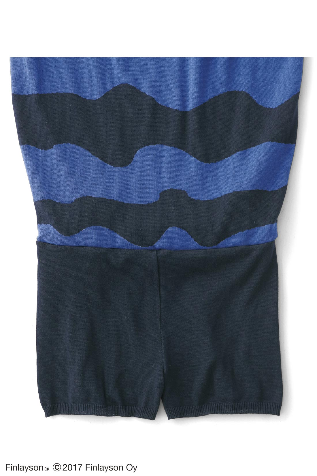 スカートの内側はインナーパンツ付きであったか。