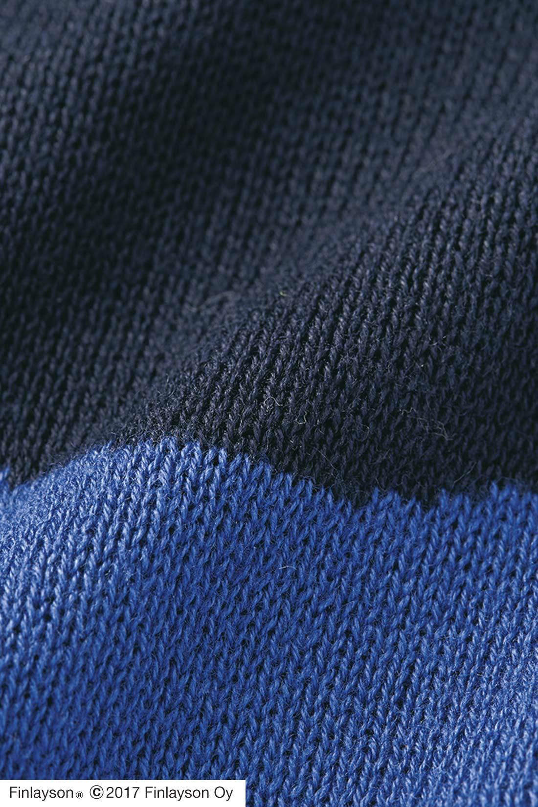 ぬくもりがあって表情豊かなジャカード編み。