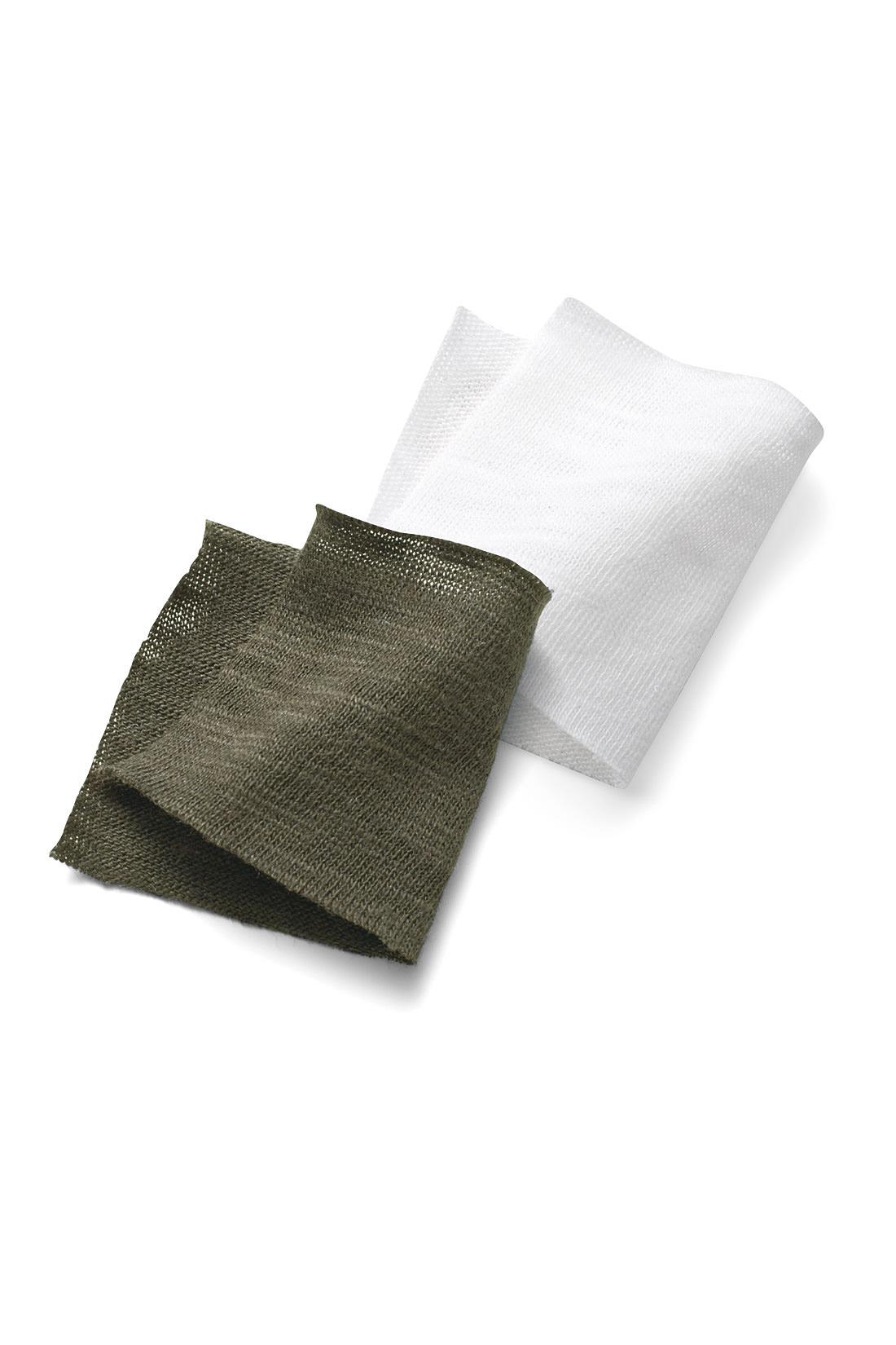 エリシルクとカリフォルニアコットンを混紡した天然素材エリナチュレ(R) エリナチュレ(R)は、キャッサバの葉を食料とするヤママユガから作られるエリシルクとカリフォルニアコットンを混紡し、日本の敷島糸工房で紡績した日本製の糸。養蚕事業に取り組む東南アジアの自主発展も支援。シルク混ならではのさらりと涼やかな着心地が特長です。 ほのかな透け感のあるやわらかなスラブ調カットソー素材で着心地抜群。