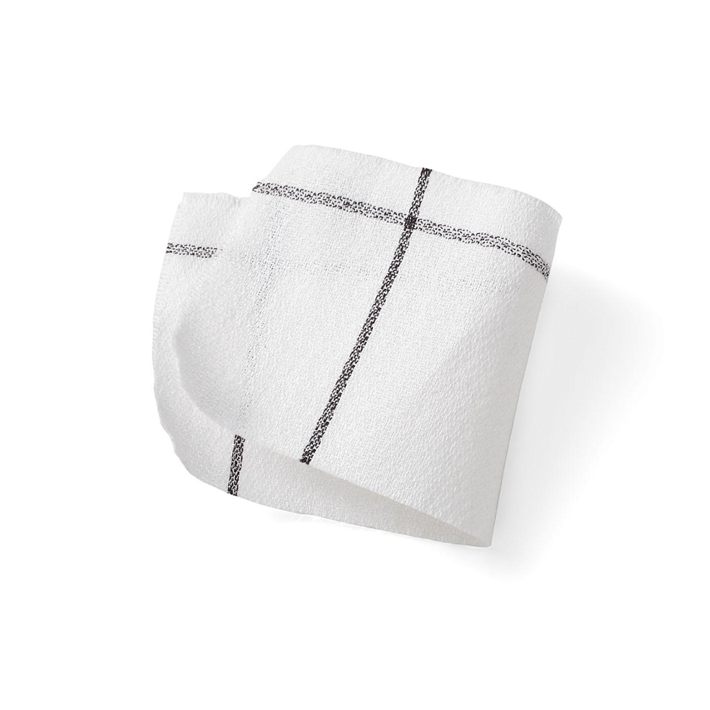 80番手の細い糸を使ったアムンゼン(梨地織り)は、表面の凹凸感がシャリッと気持ちよく、ほのかな透け感も涼やかです。