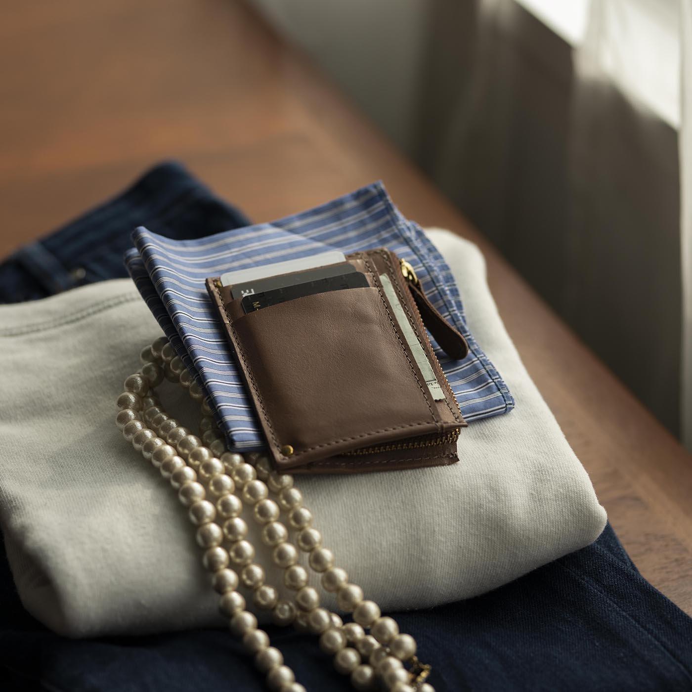 福岡の鞄作家と作った職人本革のポケットウォレット〈ノワ〉[本革 財布:日本製]
