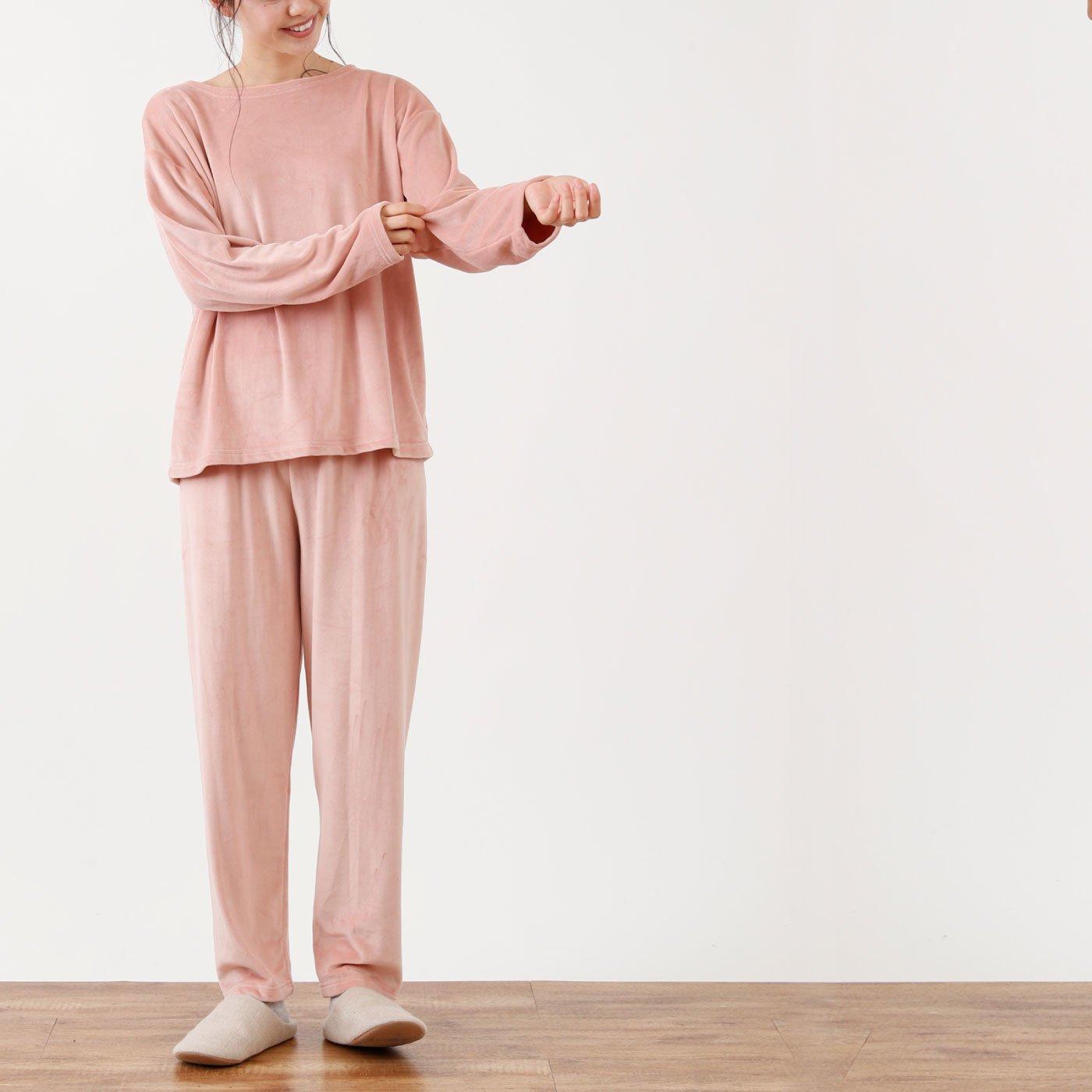 ゆったりかわいい クセになる手触りベロア風パジャマ