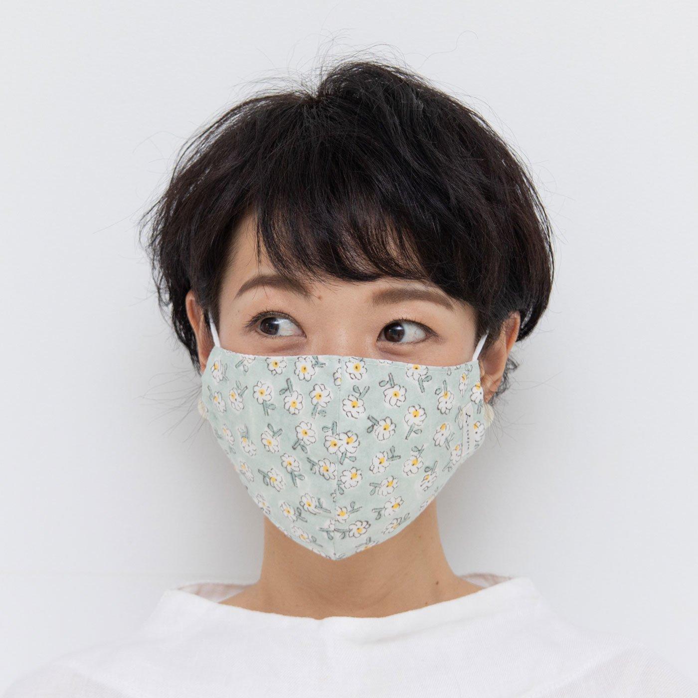 admi 肌あたりやわらか 花柄のコットンマスク