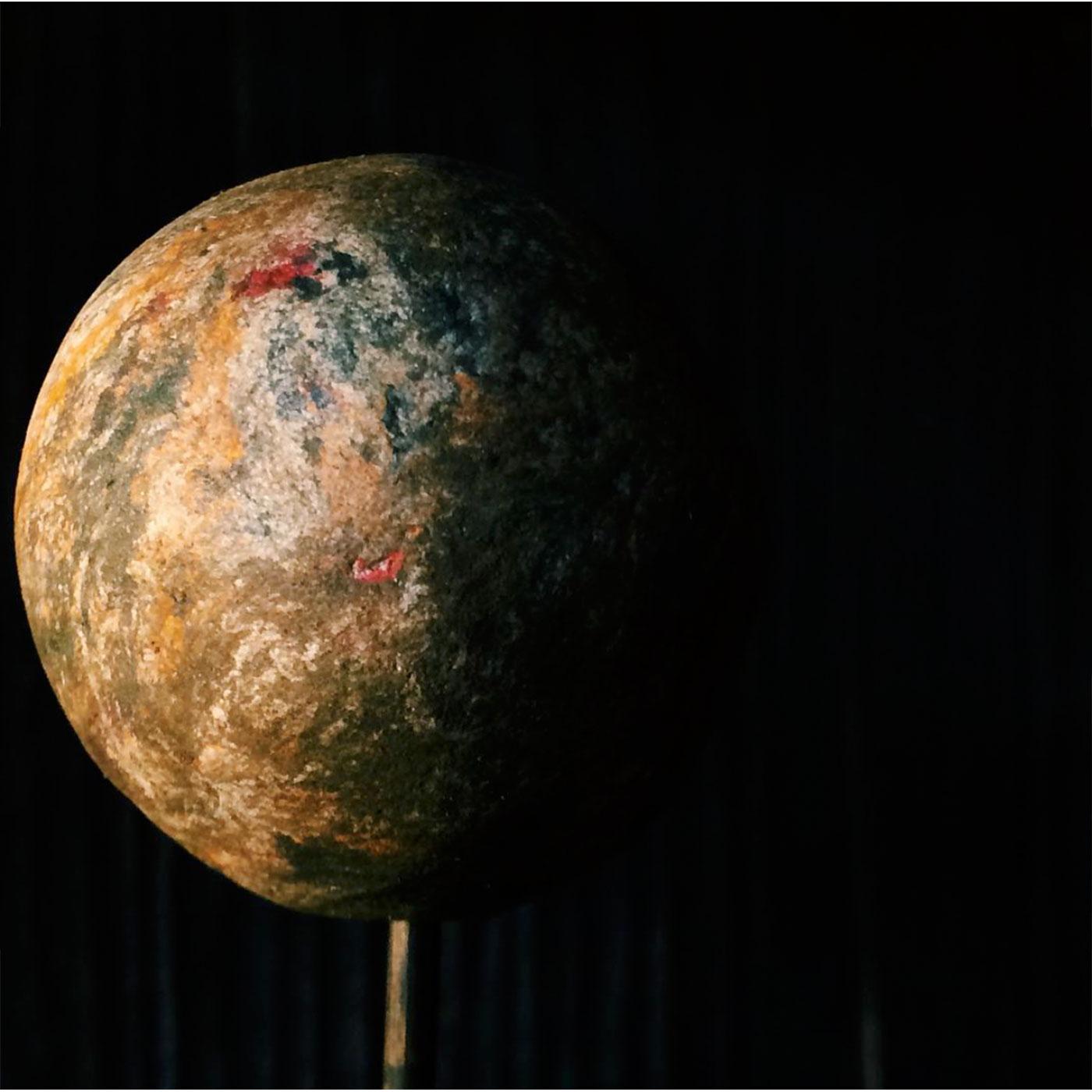 写真の撮りかた次第で本物みたいな惑星写真ができあがる。