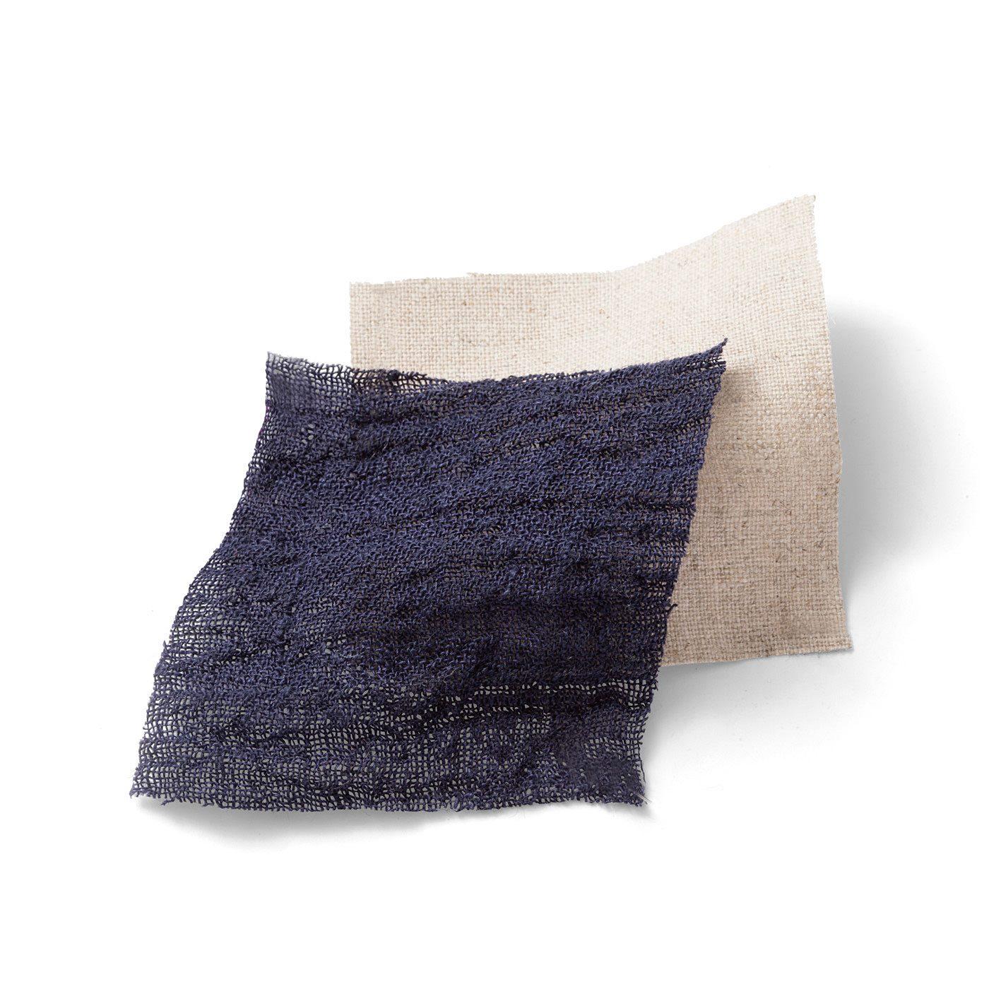 見た目も涼やかな通気性にすぐれた綿麻素材。