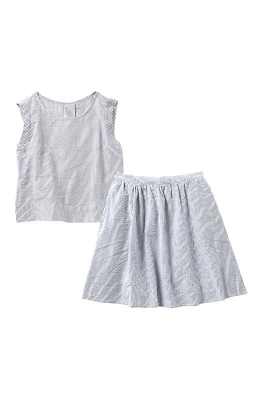 スカートには裏地付き。