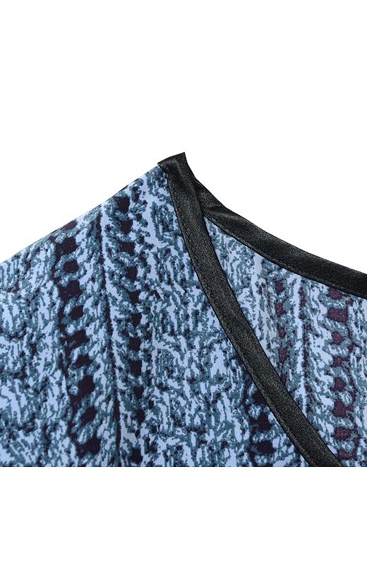 衿ぐりはサテンを配して、アクセントを付けました。