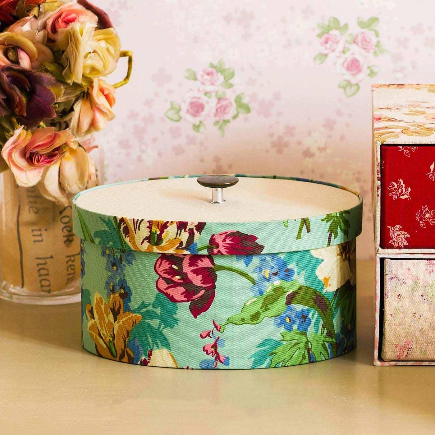 有輪商店さんのあこがれ贅沢(ぜいたく)な布で作る フランス手工芸 カルトナージュボックス