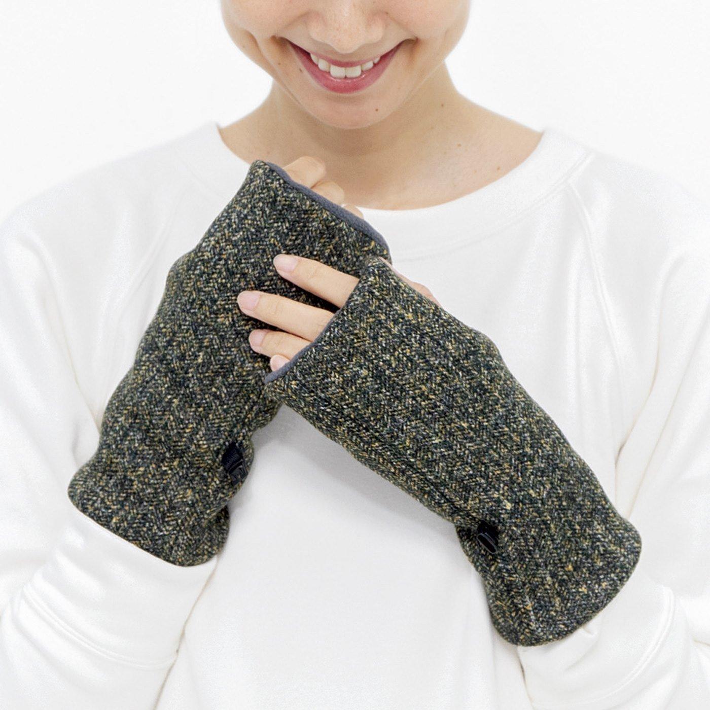 左右を気にせずはめられる ヘリンボーン柄ニット手袋