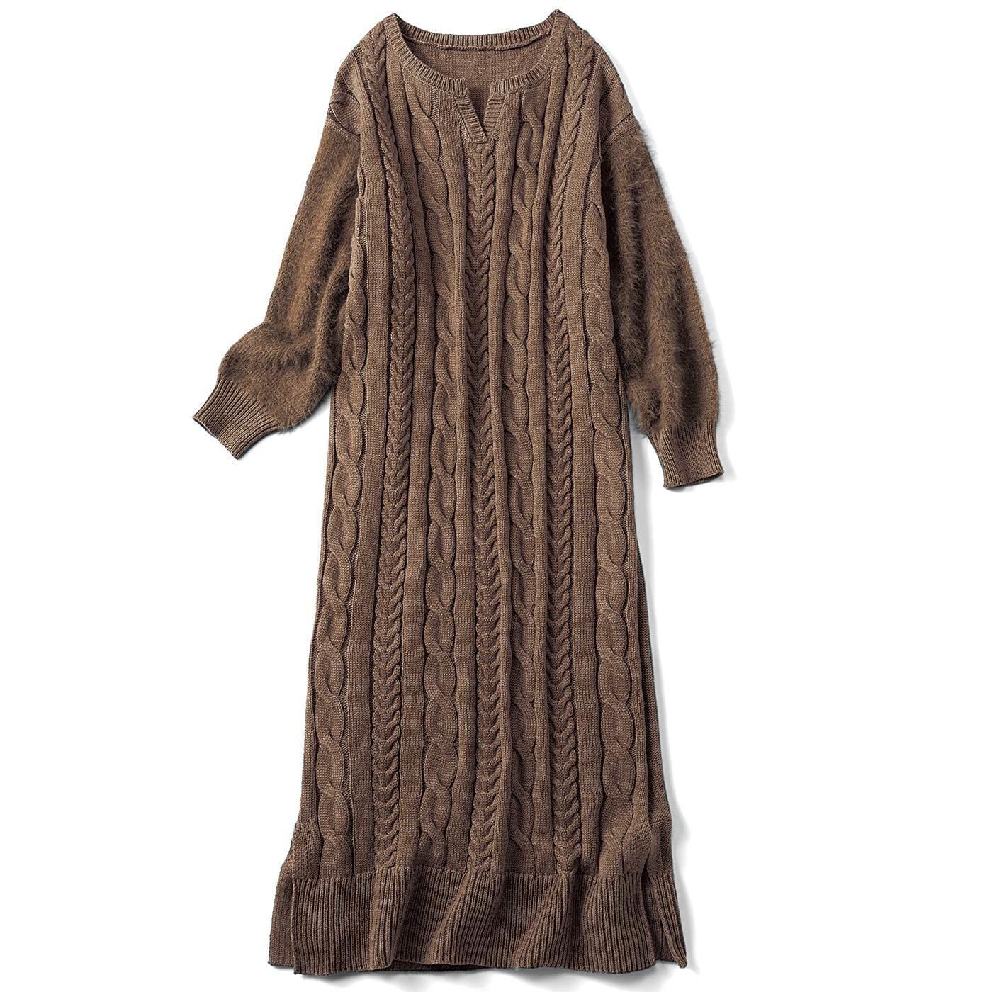 リブ イン コンフォート すぽんと着るだけコーデ完成! シャギー遣いの華やかケーブルニットワンピース〈ベージュ〉