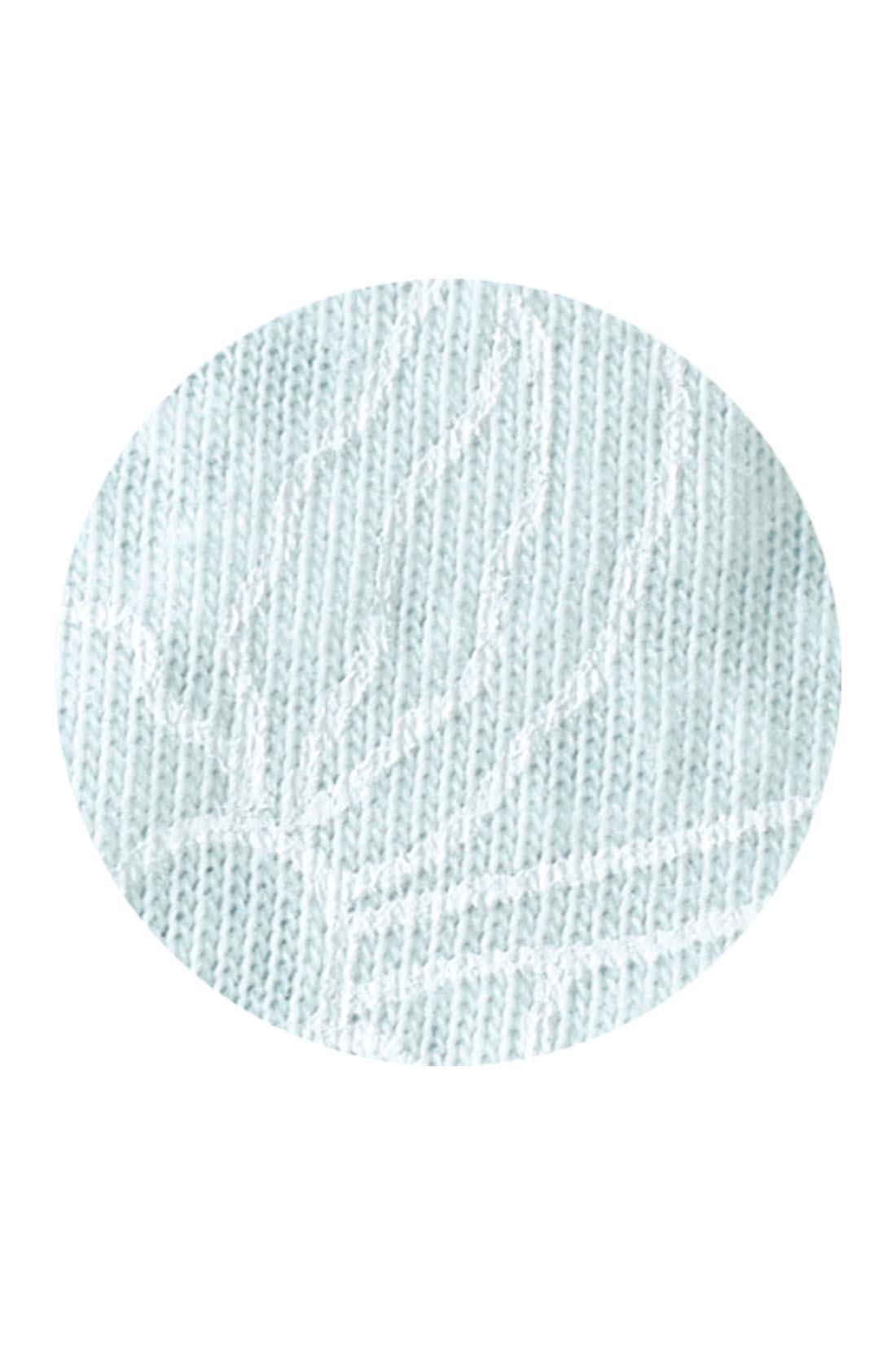 オパール加工+プリントでレースのような表情に仕上げたカットソー素材。気軽に洗濯もできるのがうれしい。