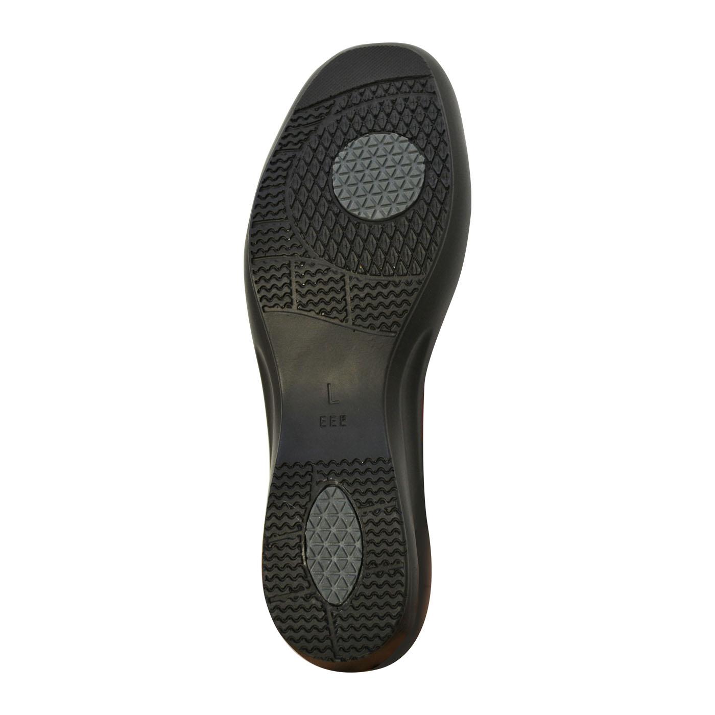 靴底はすべりにくいラバー素材。