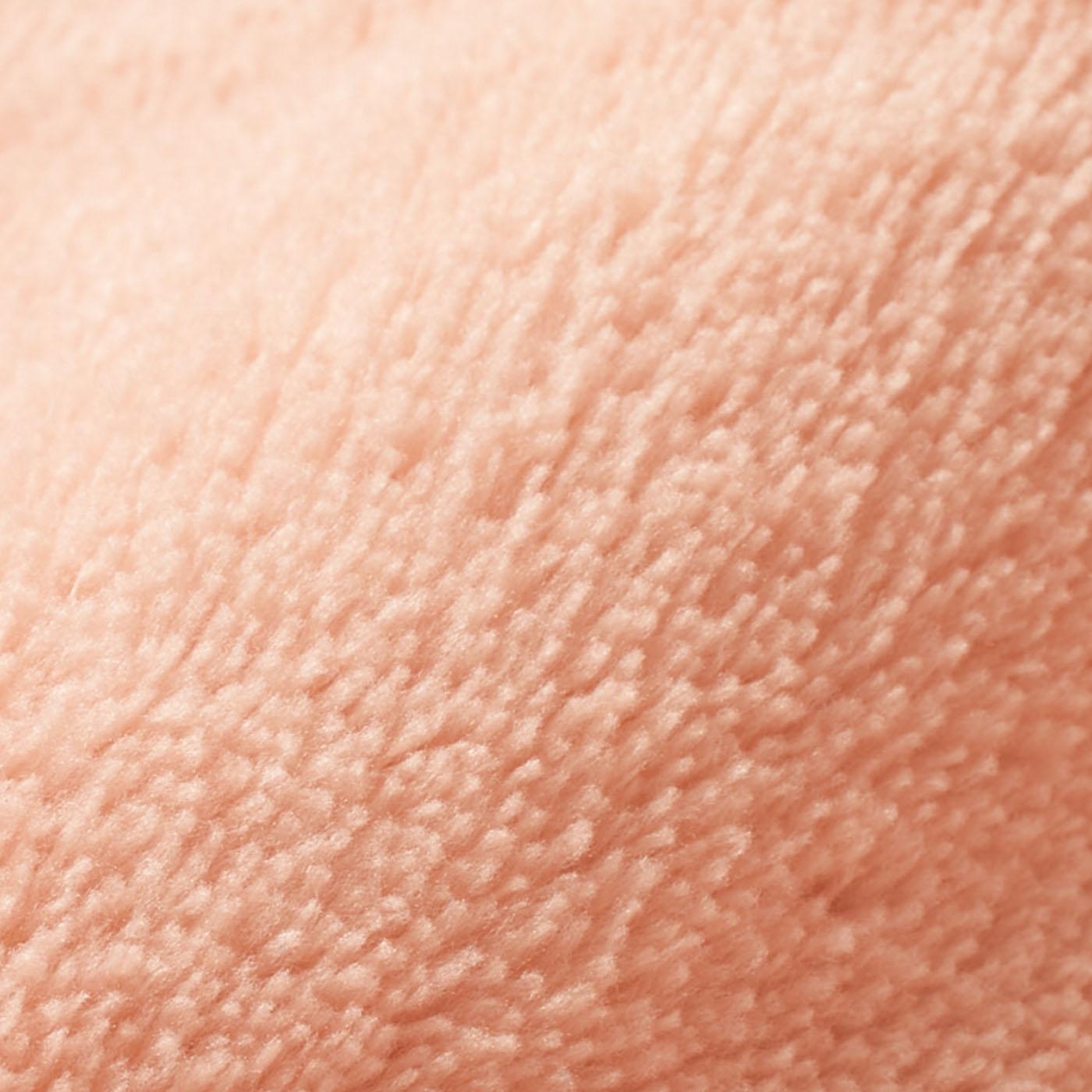 表側:マイクロファイバー しっとり滑らかな超極細繊維。とろけるような肌ざわりで、寝心地のよさを高めます。