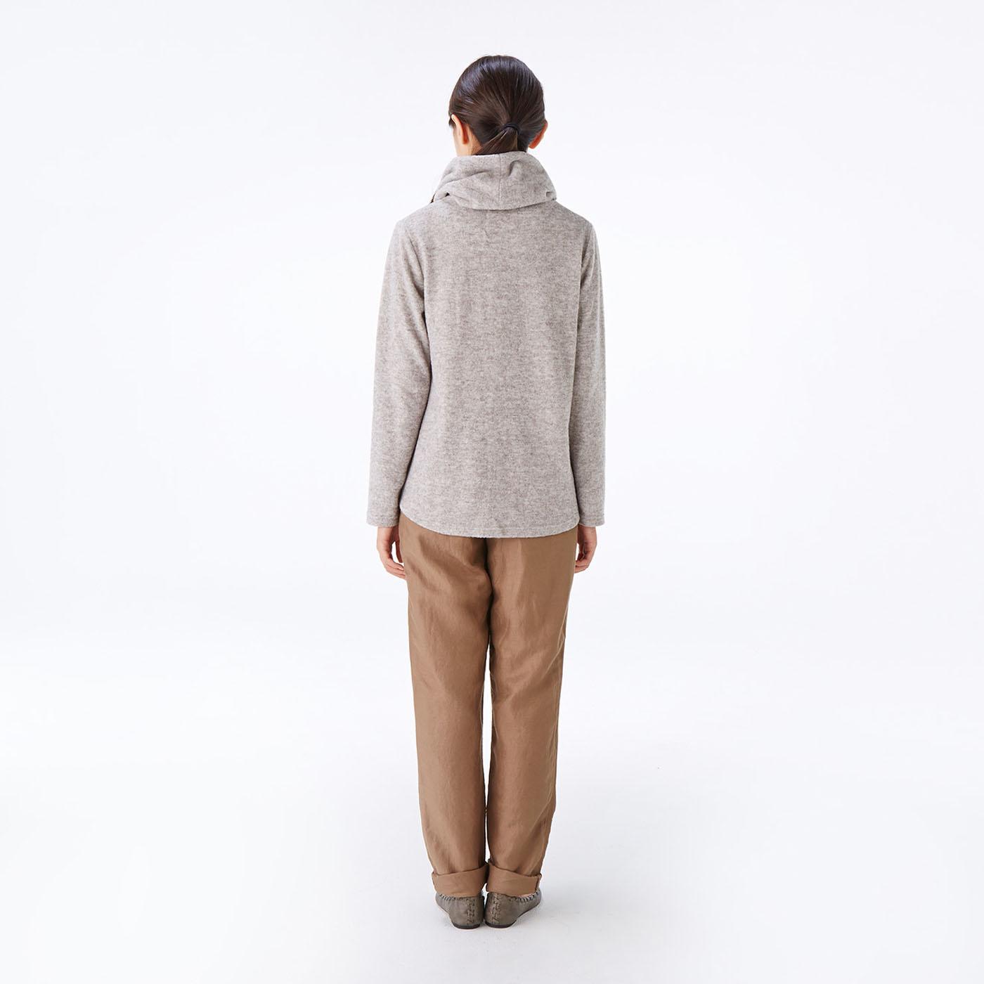 モデル身長約165cm 着用サイズM 長めの着丈でおしりをカバー。