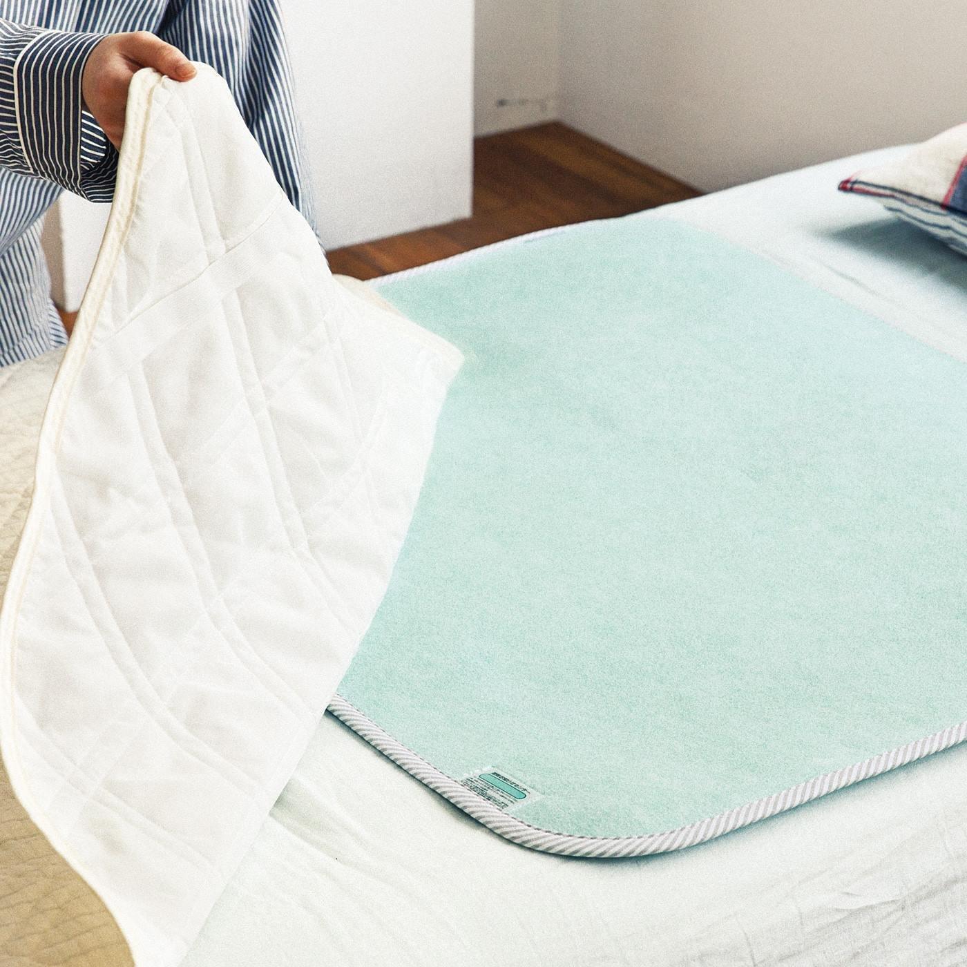 布団の湿気を吸収 繰り返し使える吸湿シートの会