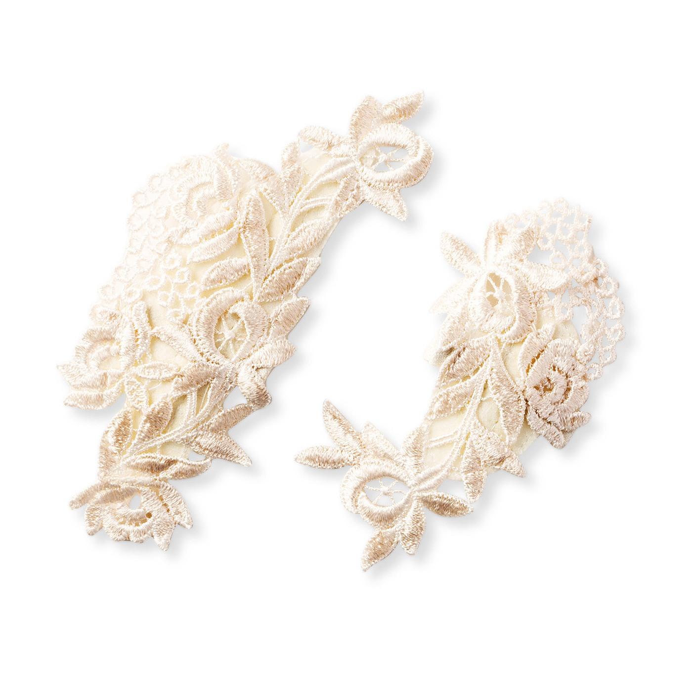 お花や植物があしらわれた6種類のデザインからお届けします。
