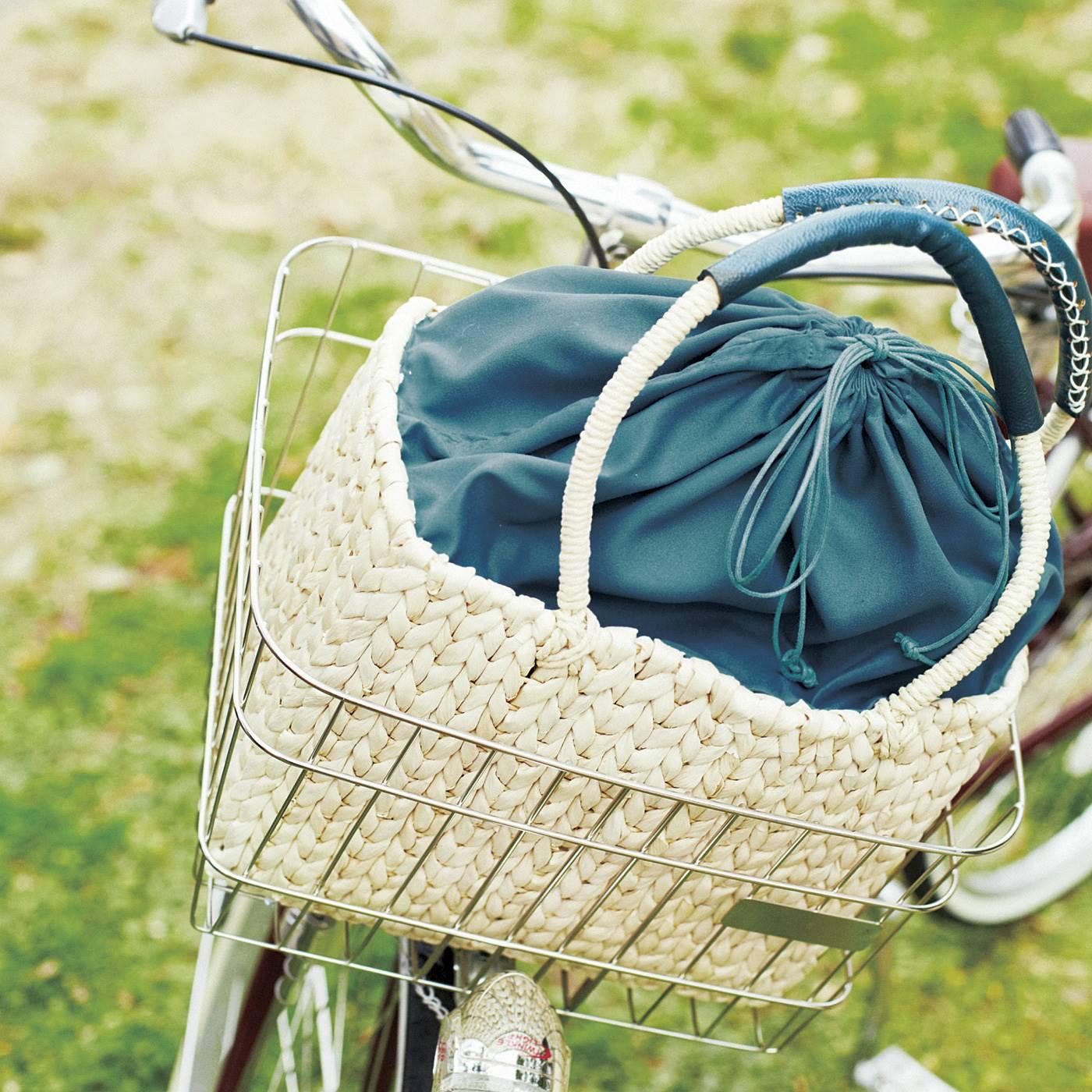 普通の自転車かごにすっぽり入るサイズ。