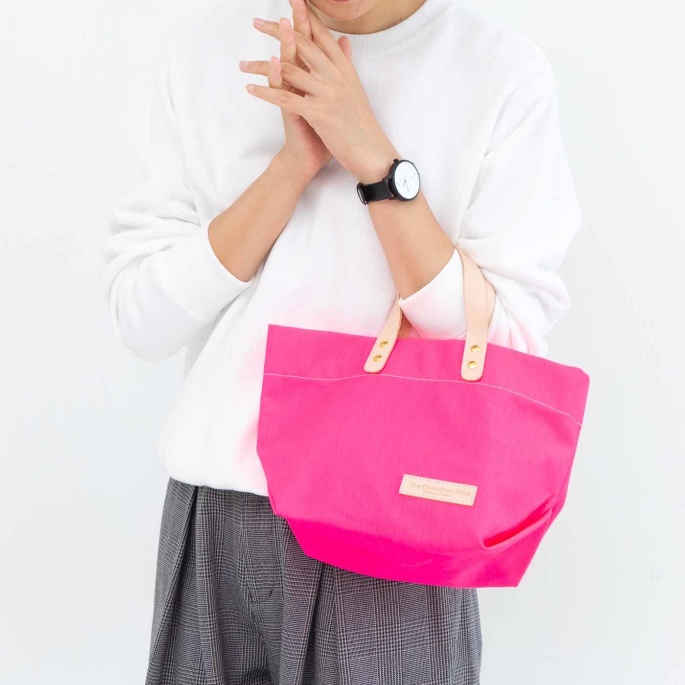 デイリーサイズがうれしい 日本製のカラー帆布 ショルダートートバッグ〈ネオンピンク〉