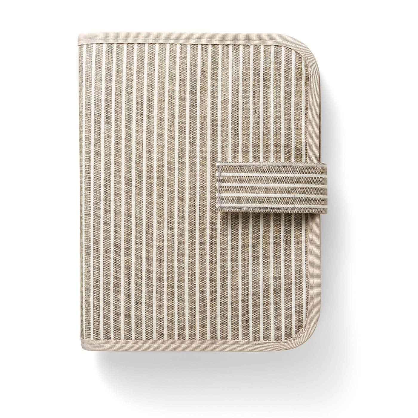 ベージュ 表側は汚れてもふき取りやすいオレフィン系樹脂加工。
