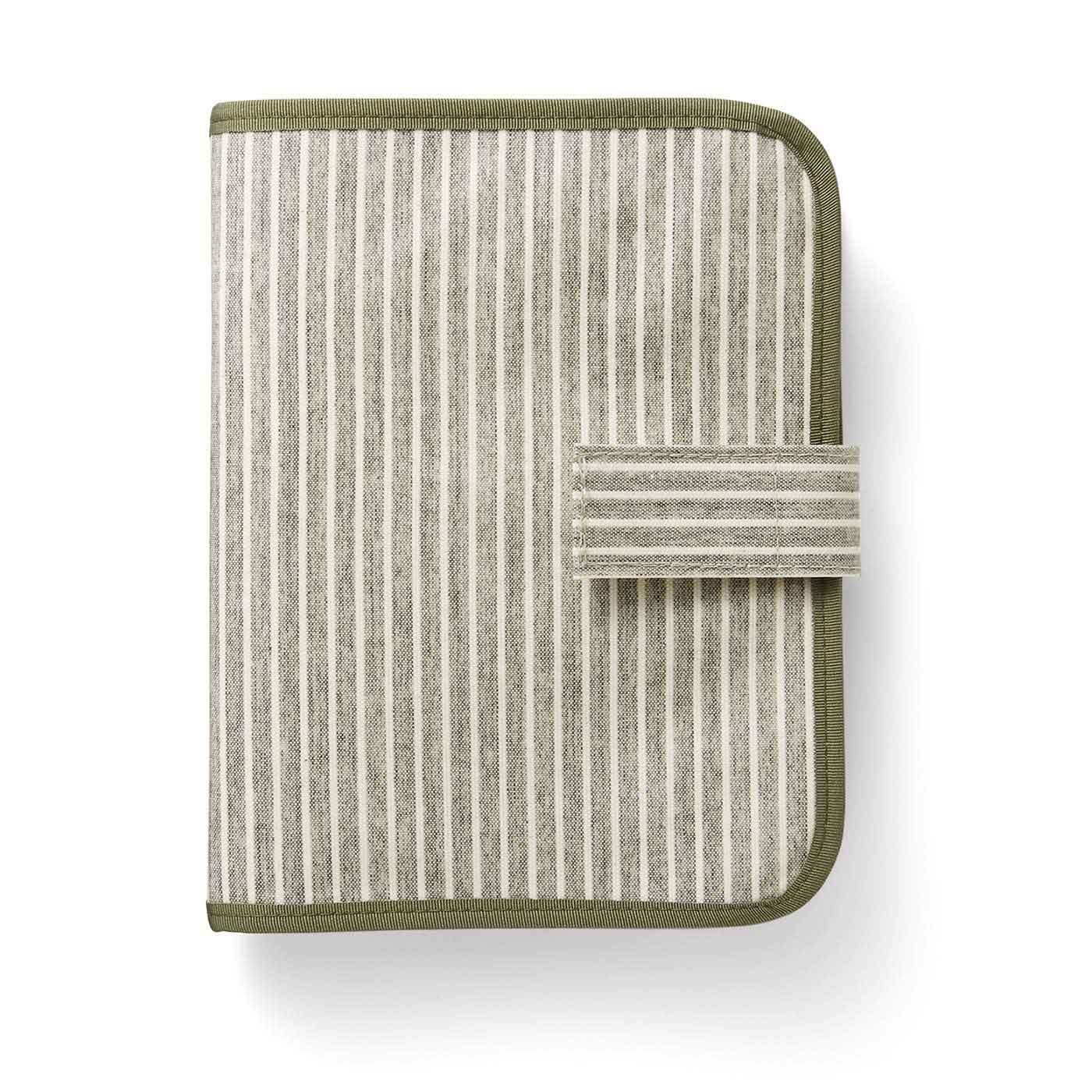 オリーブ 表側は汚れてもふき取りやすいオレフィン系樹脂加工。