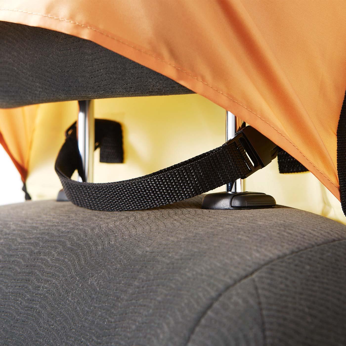 ヘッドレストにかぶせて、ワンタッチで取り付け簡単。