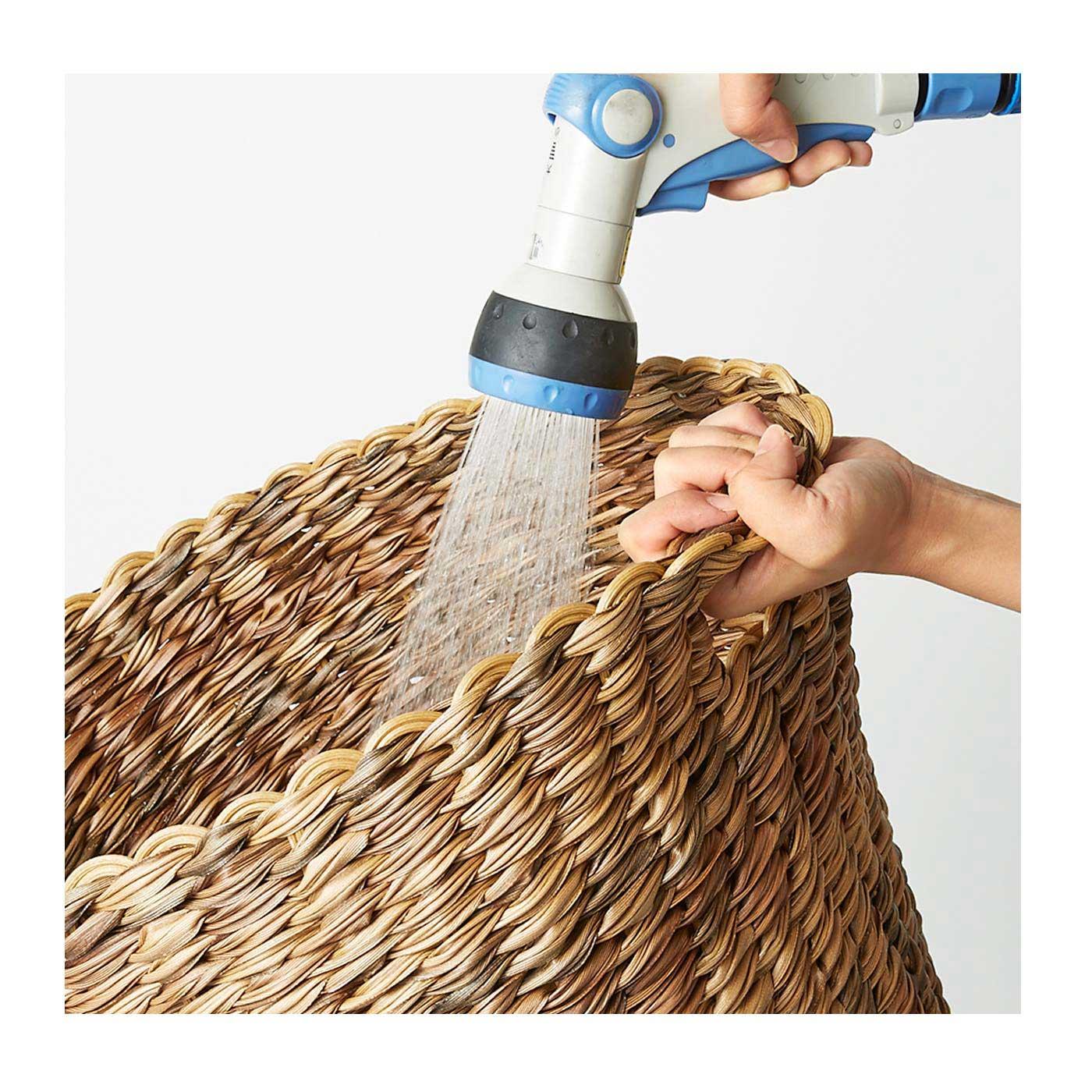 水に強いので、洗濯かご使いやアウトドアでの使用もOK。
