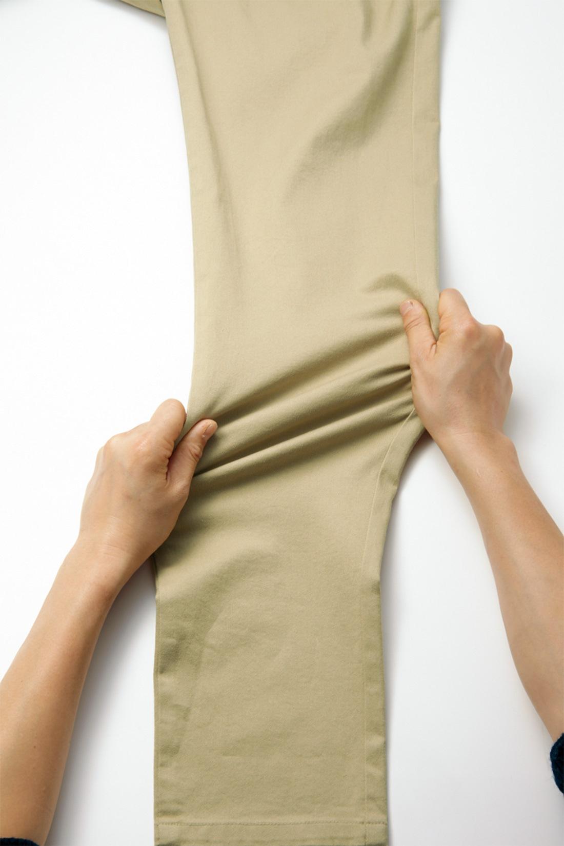 ストレッチ性抜群の素材で、アクティブに動ける伸びやかさ! 美脚ラインはそのままに、らくちんストレスフリーなはき心地を実現しています。