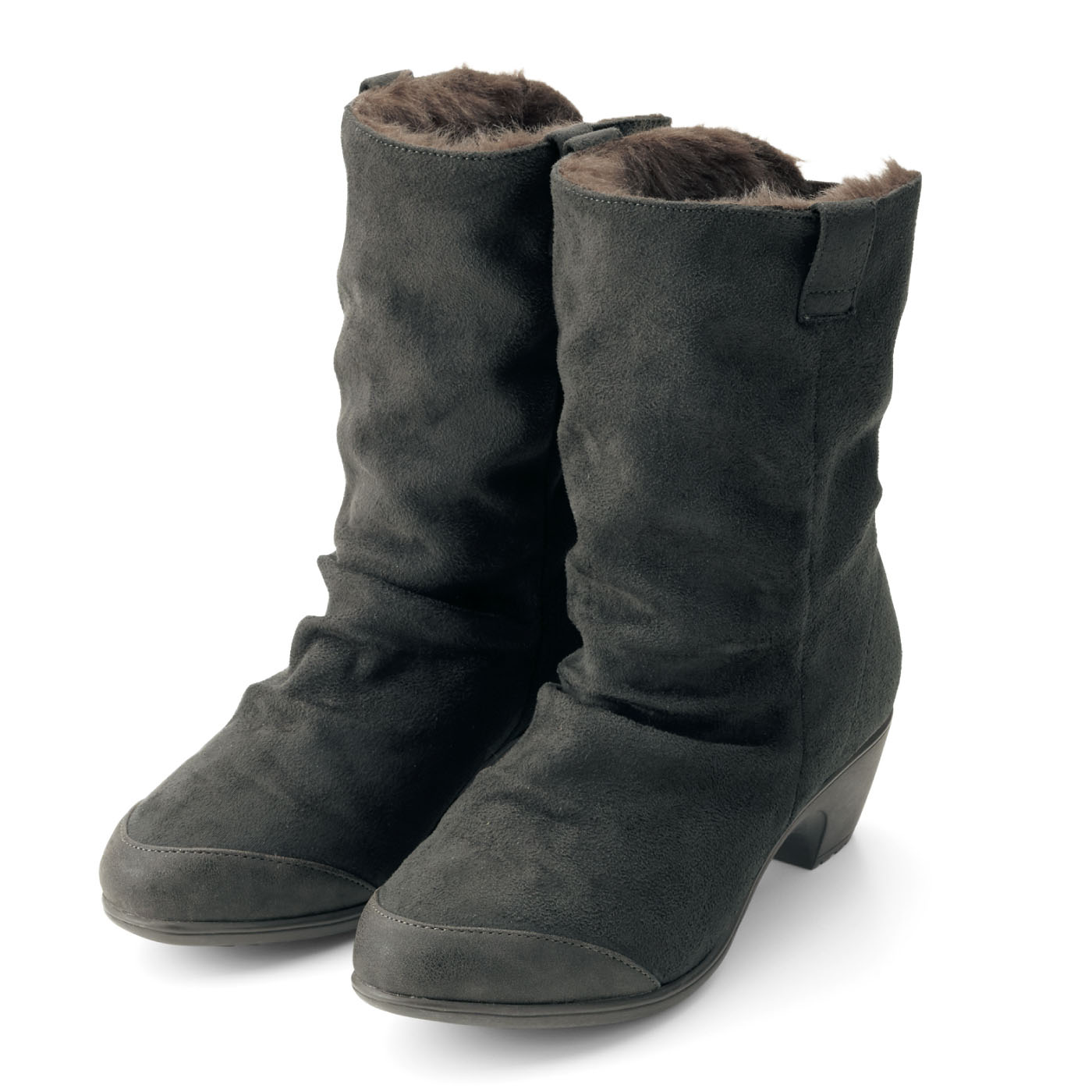 つま先部分は合成皮革使用。汚れにくく、小足に見せる効果も。